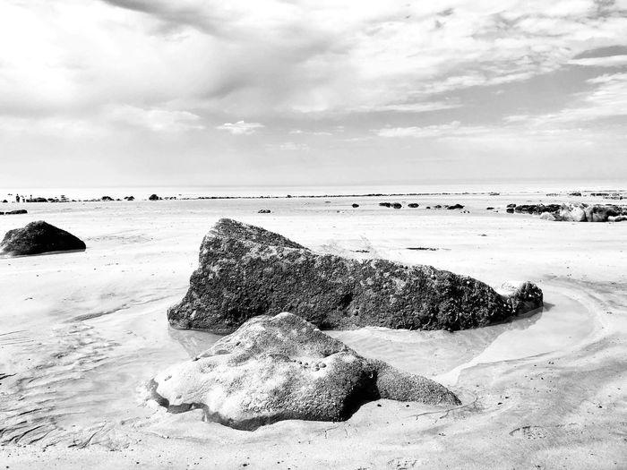 EyeEm Selects Land Beach Sea Sky Water The Traveler - 2018 EyeEm Awards Cloud - Sky Beauty In Nature Nature Tranquility Scenics - Nature Day Tranquil Scene Horizon Over Water No People Sunlight Horizon