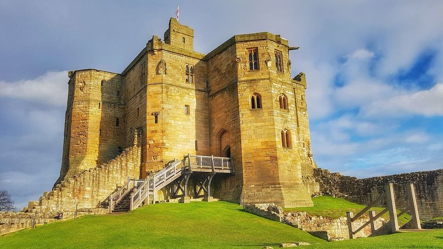 Warkworth castle Northumberland Malephotographerofthemonth Creative Light And Shadow Color Photography Landscape Warkworth Castle City History Sky Architecture Building Exterior Built Structure Archaeology Old Ruin Amphitheater Ancient History Ruined The Past