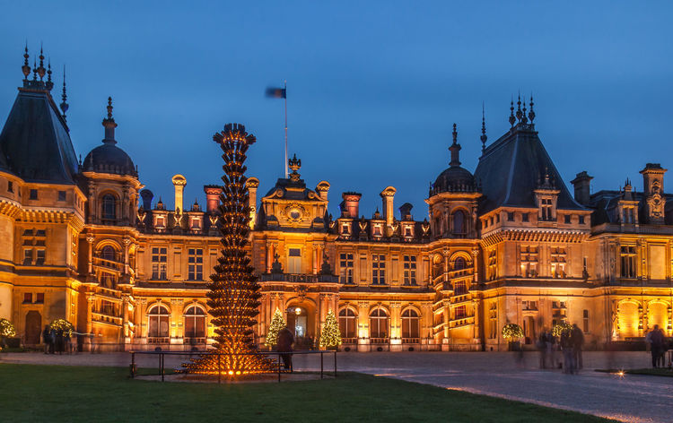 Waddesdon Manor illuminated at night time for Christmas. Christmas Christmas Lights Winter Lights✨ Architecture Building Exterior Dusk Festival Lights Illuminated Long Exposure National Trust Nt Rotheschild Stately Home Sunset Travel Destinations Waddesdon Waddesdon Manor Winter Festival Winter Lights