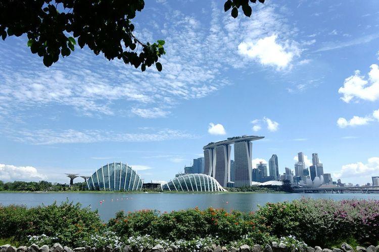 The Architect - 2016 EyeEm Awards The Little Red Dot - Singapore Futuristic City The Garden City - Singapore
