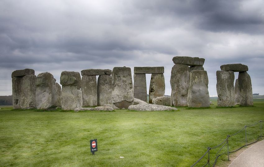 Stonehenge Memorial Ancient Architecture Day Grass History Landscape Nature No People Outdoors Sky Stonehenge