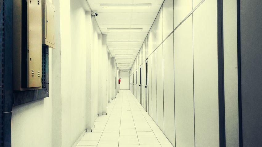 Corridor Corredor Deep Futuristic White
