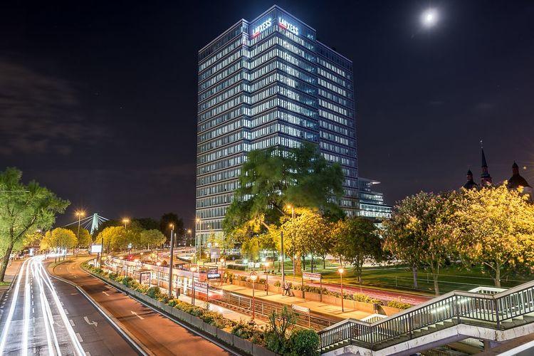 Cologne Deutz at night 2016 ;) Nightphotography Night HDR Hdr_Collection Cityscapes Cityscape Deutz Lvr Kvbkoeln Kvb Longexposurephotography Longexposure