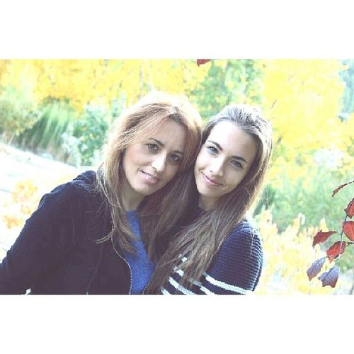 Felicitar a una madre que vale millones, a la que siempre esta ahí y a la que me cuida cada segundo su tiempo. Felicidades Mama!♡