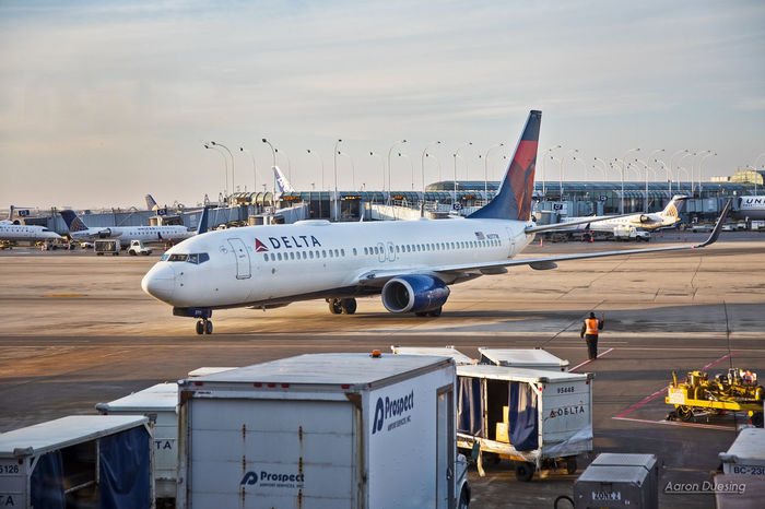 Chicago Ohare International Airport Jet Delta Airlines Airplane