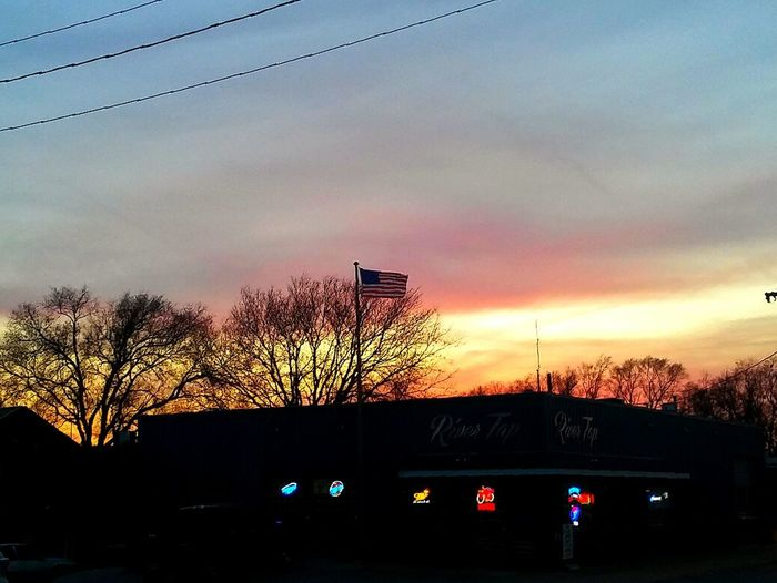 Sun goin down, time for work!! Sunset Cloud - Sky Bar American Flag Work Night Shift