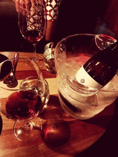 와인 Glass Drink Refreshment Alcohol Table Indoors  Wine Drinking Glass First Eyeem Photo