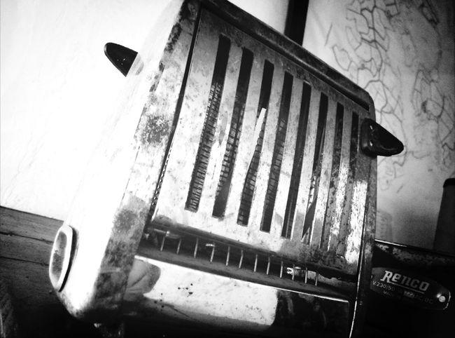 Antique Toaster Black&white