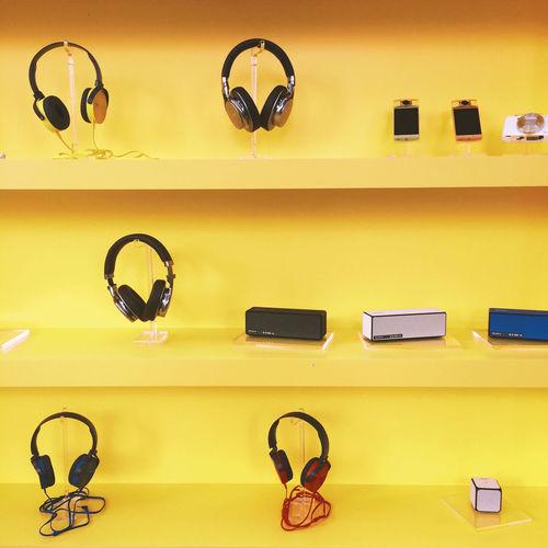 Yellow Earphones Shopping ♡