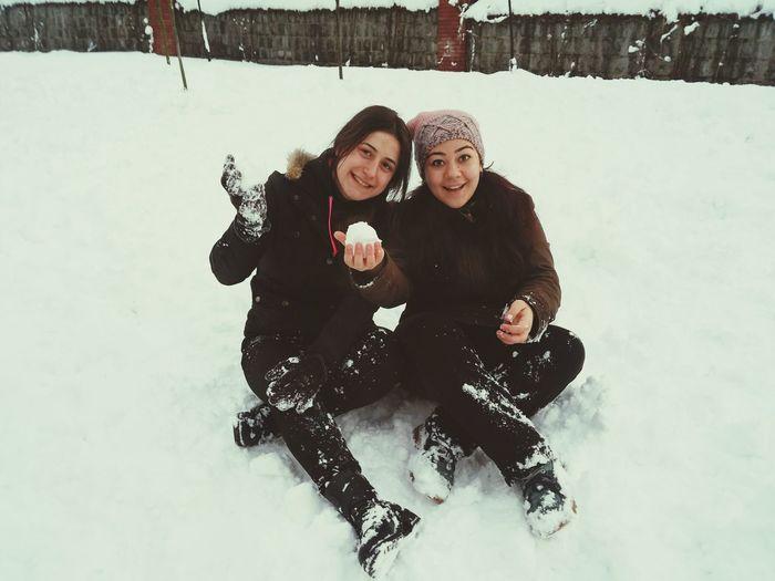 What's Up , Doc? Turkey Türkiye Fun Enjoying Life Snow Snowball Snowballfight Friend Medicine
