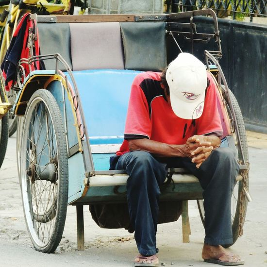 Defeat Heartwrenching Visit Indonesia Becak Driver Becak Man Men Waiting Street Photography Streetphotography in Cirebon  , INDONESIA Film