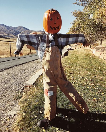 hanging around park city. 🎃🍁 Utah Park City, Utah Sunlight Real People Day Nature One Person Shadow Leisure Activity