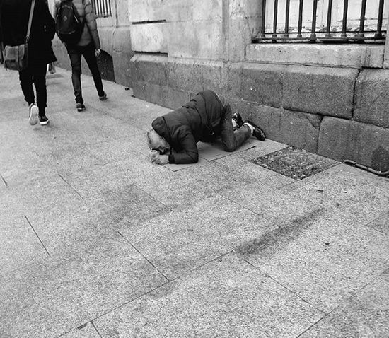Pobreza. Bnwpeople Bnw_life_shots Poorly Poor  Pobreza Pobre Desahuciado Abandoned Blackandwhite Monochrome Sadness Coldwinter RainyDay Bnw_life Life