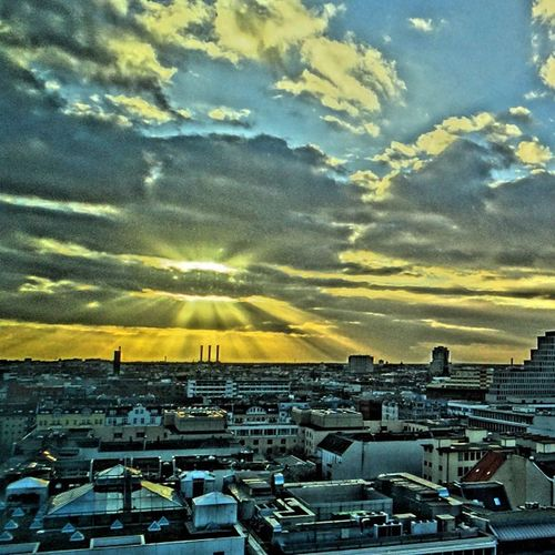 #sonne #berlin #europacenter #hdr #sony Berlin Sonne HDR Sony Europacenter