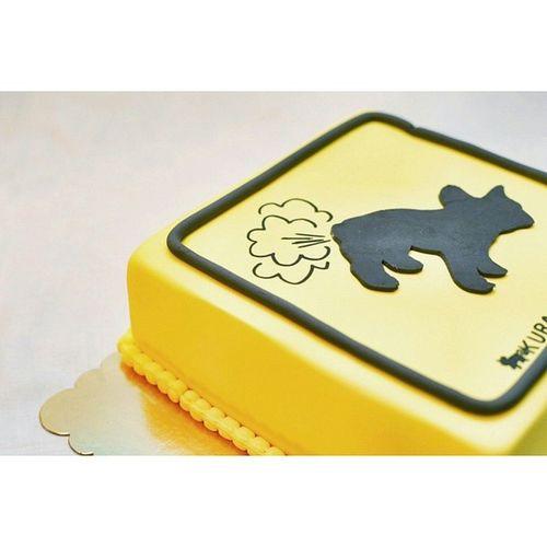 Frenchzone Frenchieoftheday Dogs Buldogi Bulldogs Frenchies Instadog Gtcompany Bully Frenchzoneonly Bullyfun Canon Canon_official Fart Cake Yellowcake Birthtay