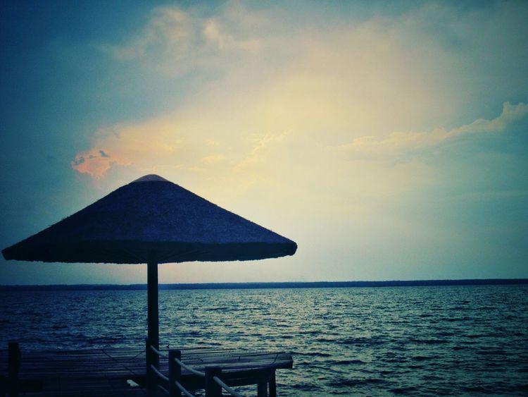 sossego. Sunshade Tranquility Tranquil Scene Nature Summer Modografiabrasil Modografia Omegafly