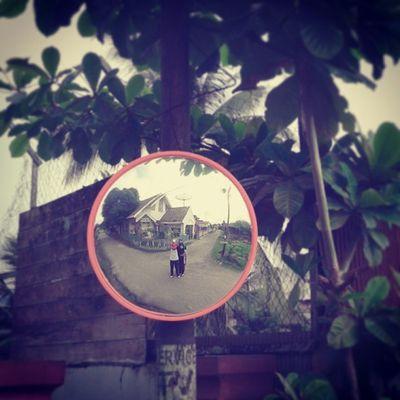 Orang gilak yat te !! Di Pinggir Jalan Kami gilak happy with friends instagram ariendhiiya