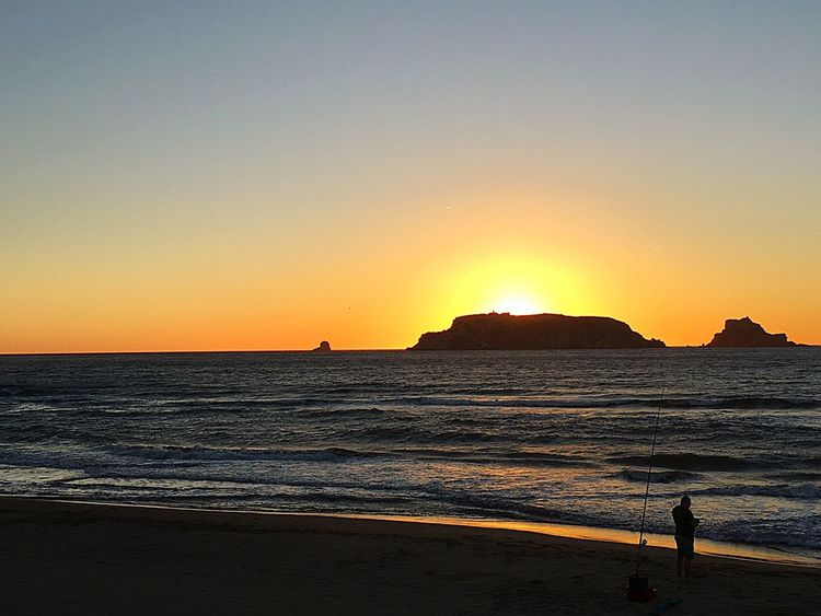 Sunrise Summer Summertime Fishing Fisherman Morning Fishing Morning Morning Sky Dawn Daybreak Beach Fishing Islands Illes Medes Girona Costa Brava