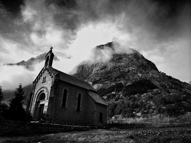 B&w Blackandwhite Blackandwhite Photography Black & White Place Of Worship Religion Spirituality Sky Building Exterior Built Structure