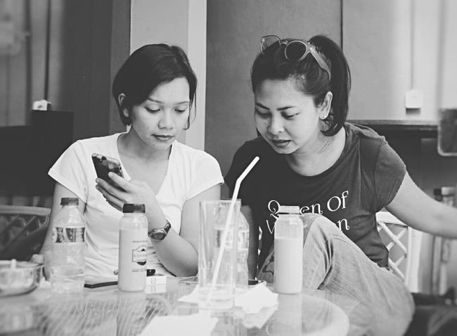 At Kopibian, Kemang. Coffee Time With Friend By ITag Mobile Upload-Me & Friends Candid By ITag Forever Friends - ITag