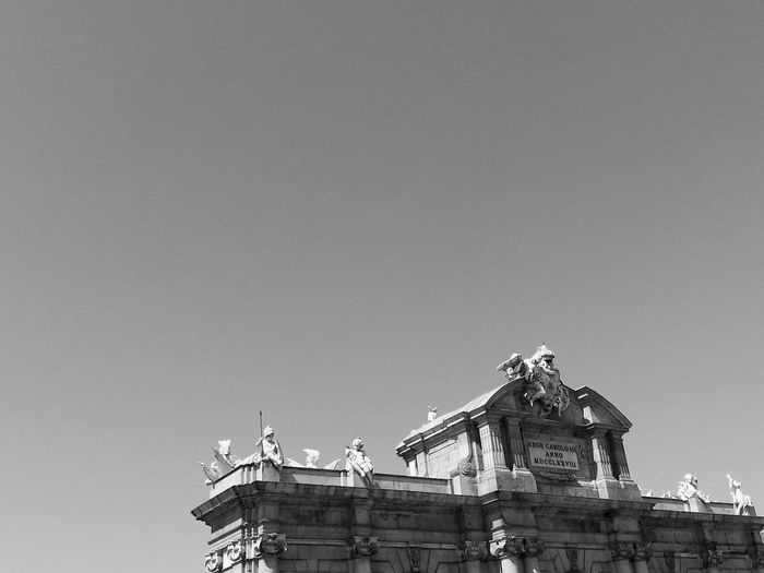 Sunny bnw day City Sky Minimal Lessismore Architecture Minimalist Puertadealcala Outdoors Streetphotography Blackandwhite B&w Minimalobsession Built Structure No People Perspective Holidays Tourism Destination Vacation Capital Cities  Madrid SPAIN