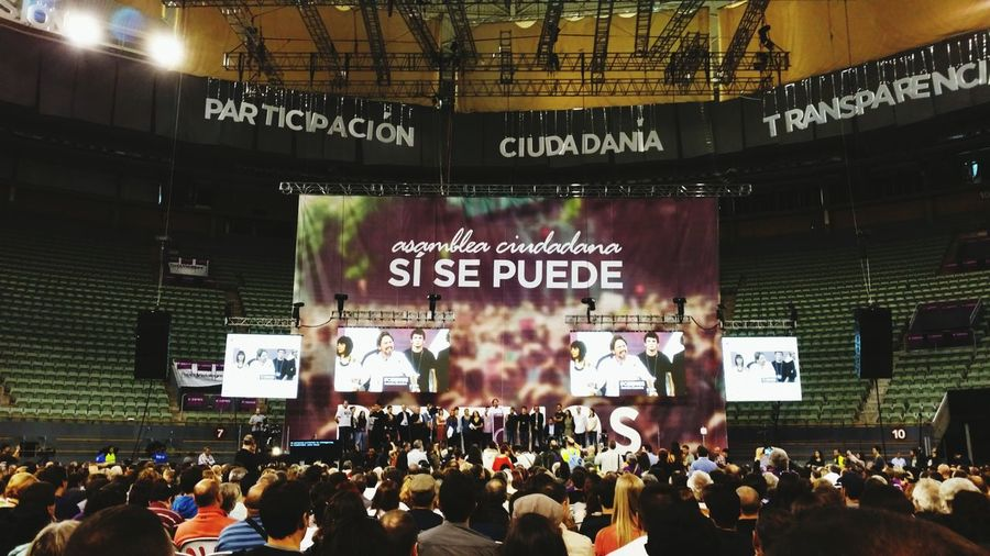 Podemos en Palacio Vistalegre asamblea general SI Se Puede Taking Photos