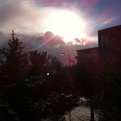 Turkcell Maltepe Kar biter ve Gokyuzu yavasca gunes icin el sallar... winter kis snow sky skyporn istanbul