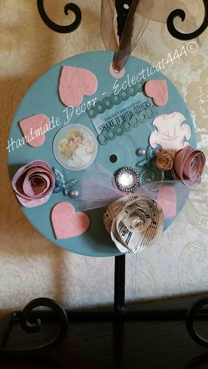 My upcycled vinyl - Vintage Romance painted with Annie Sloan™ Chalk Paintⓡ Think they would sell? Art Interior Design Crafting Crafting Time  Original Art My HobbyHandmade Vynil Chalk Art Showyourwork