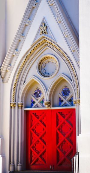 Red Doors Norfolk Door Architecture Place Of Worship Built Structure Religion Colour Your Horizn Red