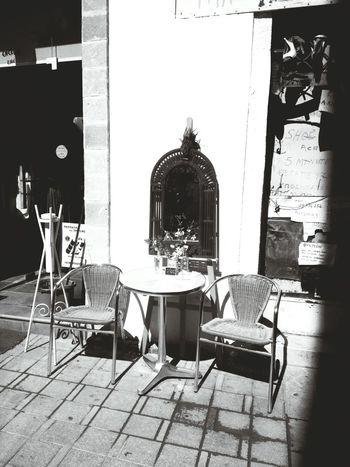 Waiting Outdoors Day Nicosia Ledrastreet Streetphotography