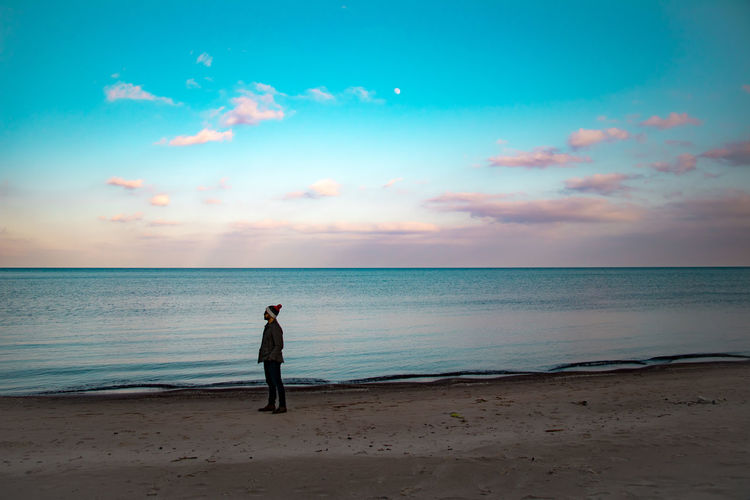 Blend One Person Canada Tranquility Lost Lake Ontario Burlington Winter Horizon Man Made Sand Beaches Full Length Lifestyles Leisure Activity Real People Sky Standing Outdoors