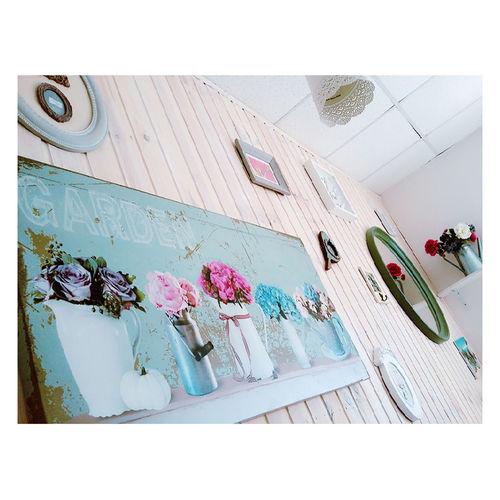 So nice 💙 Lovely Nice Illustration Details Vintage Nicepicture Vscocam Wall Lightblue Vscogood VSCOPH Russia Krasnodar White Flowers Picture Mirror Sweet Cafe Coffe House Nicely White Frame Beautiful Beauty Light