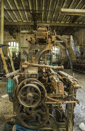 Weaving Loom Weaving Utensils Weaving Industrial Focus On Foreground Lost Place Factory Close-up No People Day Indoors  High Angle View Beauty Weaving Table Weaving Machine Weaving Craft Weavingchair