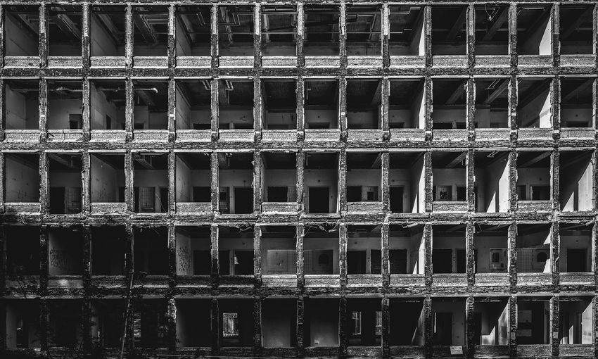 Demolition of a hospital in Amersfoort, The Netherlands. Amersfoort Black & White Decay Derelict Hospital Lichtenberg Netherlands The Netherlands Urban Exploration Abandoned Architecture Black And White Blackandwhite Built Structure Decaying Demolished Demolition Dutch Holland Lostplaces No People Urbex Window Windows