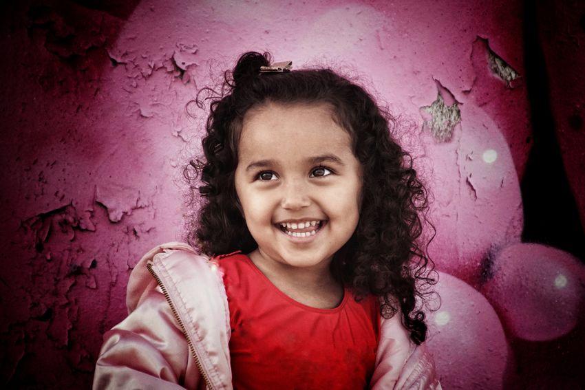 Niklas Storm Okt 2018 Preschooler Girl Portrait Child Smiling Childhood Happiness Cheerful Girls Headshot Graffiti Street Art Spray Paint A New Beginning