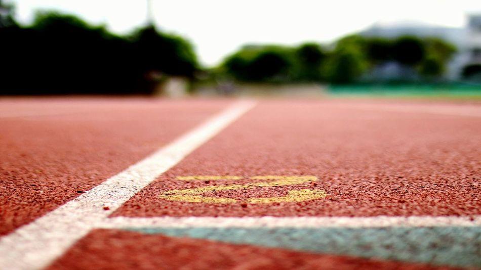 バリアングルモニター大活躍 Track & Field Close-up Depth Of Field EyeEm Gallery Low Angle View Sports Photography Running