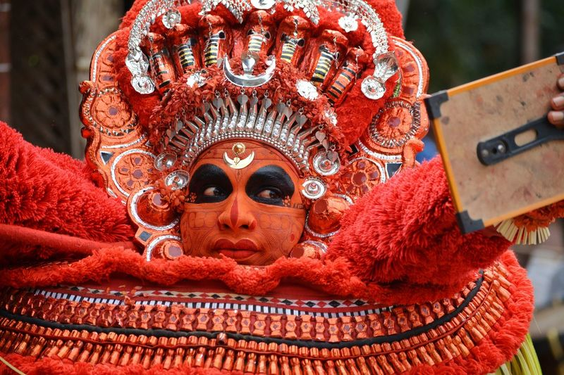 Dance Keralaspecial Art Keralaattraction Culture And Tradition Indiatourism Kannurphotos Kerala_tourism Kerala Gods Own Country Keralatourism Kerala The Gods Own Country ;) Kerala India Kerala Theyyams Of Kannur Theyyam Kannur Indiapictures Tourism India People Red Day No People Close-up Outdoors
