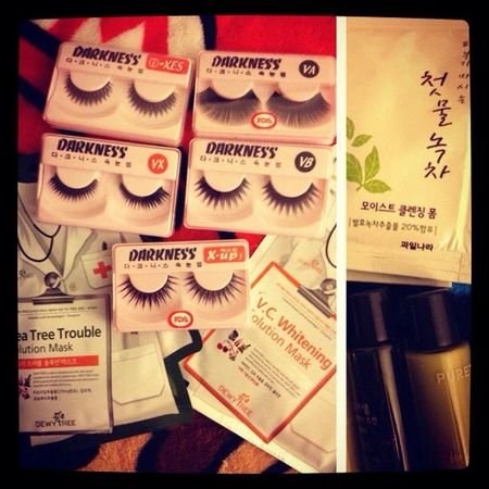 """Restock on falsies!! 2 for $5! Whooot! Face masks... These better be worth it! $4 each -_-"""" + free samples! Aloe Vera and Green Tea based! Darkness Falsies Facemasks Whitening Troubledskin Aloevera Ilovealoevera Aloeveraaddict Addictedtoaloevera Greentea Ilovegreentea Greenteaaddict Addictedtogreentea"""
