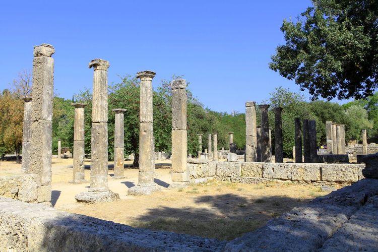 Smirne Turkey #smirne #history #turkey Ancient Ancient Civilization Archaeology Architectural Column History Old Ruin Travel Destinations