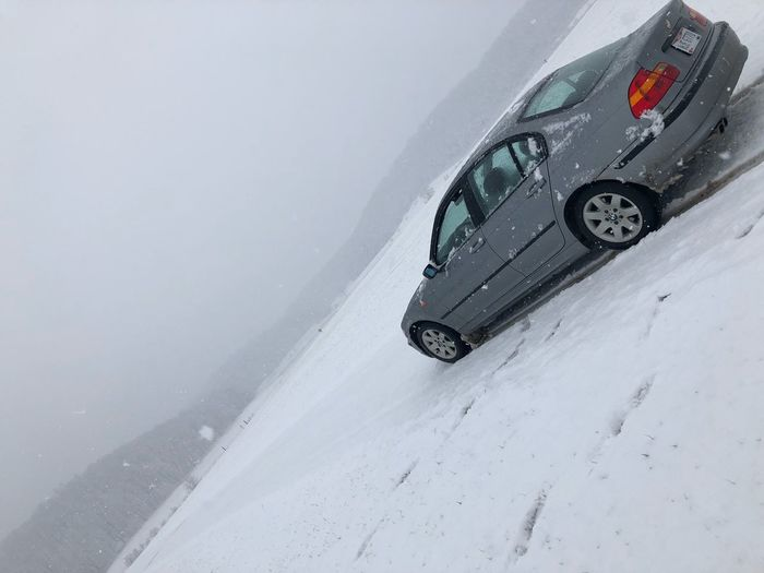 4x4 Cars Bmw325i Bmw Car Transportation Land Vehicle Mode Of Transport Cold Temperature Winter Snow High Angle View Off-road Vehicle Stationary Road Crash Weather No People Day Nature Outdoors