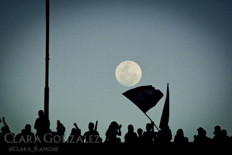 Sometime we see more in shadows 9/10 Silhouette Contraluz Caracas Venezuela Moon Hinchas Football Futbol Soccer