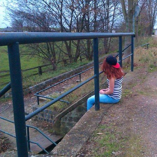 Gestern Viel_nachgedacht Kalt Wind flo's_cap Brücke tick_tack Zeit_vergeht Like leute_verloren leute_gewonnen um_leute_gekämpft leute_gehen_lassen