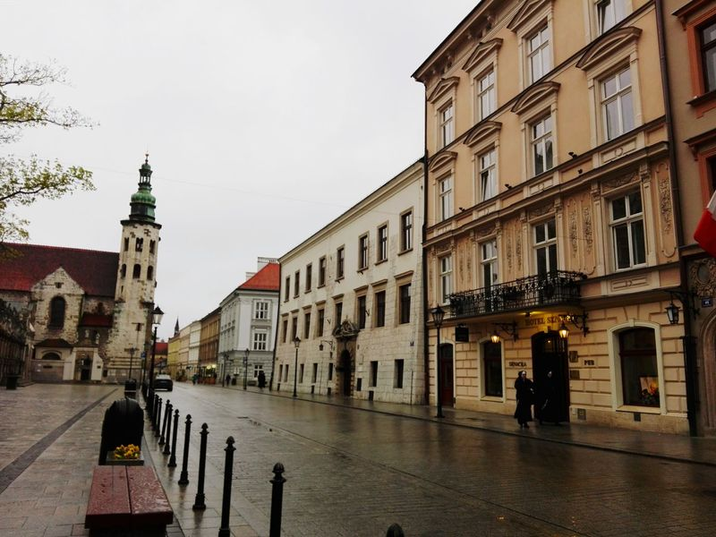 The sky is crying, cause all his stars are in your eyes 🌌 Street Building Exterior Architecture City Sky Outdoors Built Structure Mycity Home Oldtown Cracow First Eyeem Photo EyeEmNewHere