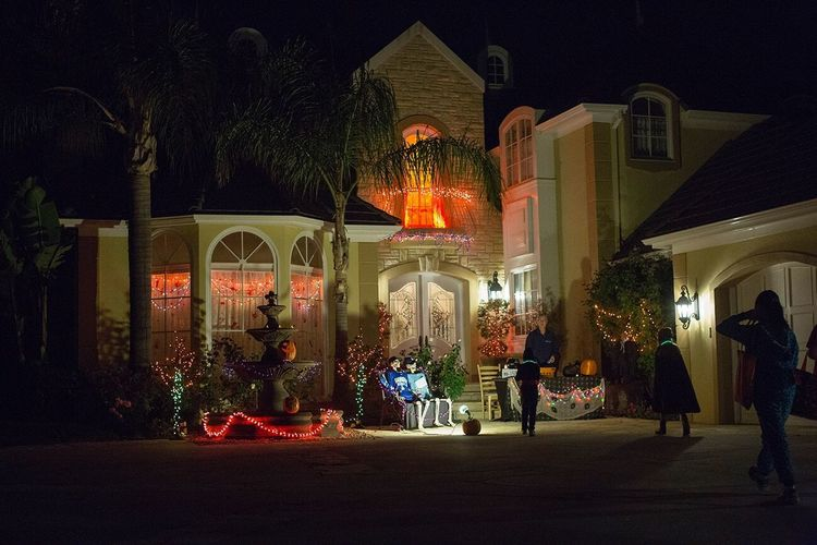 Trick Or Treat California Mansion