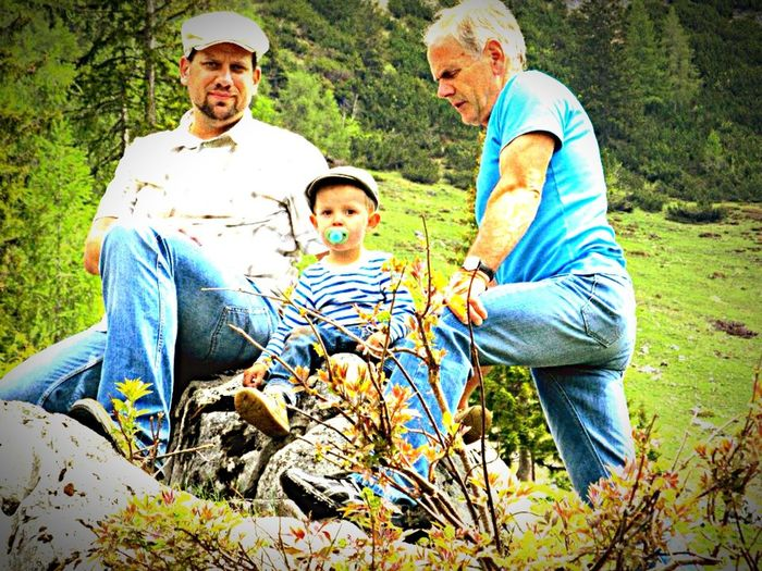 Portrait Of A Friend Family & Friends Taking Photos Mountains Berge Wandern Kindheit Hiking Childhood
