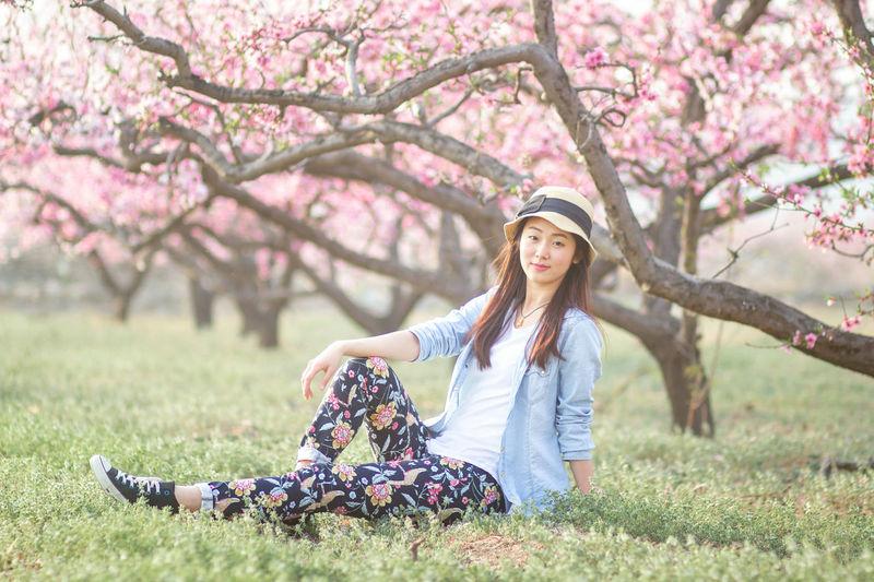 Tree Flower Young Women Smiling Beauty Women Rural Scene Portrait Happiness Beautiful Woman