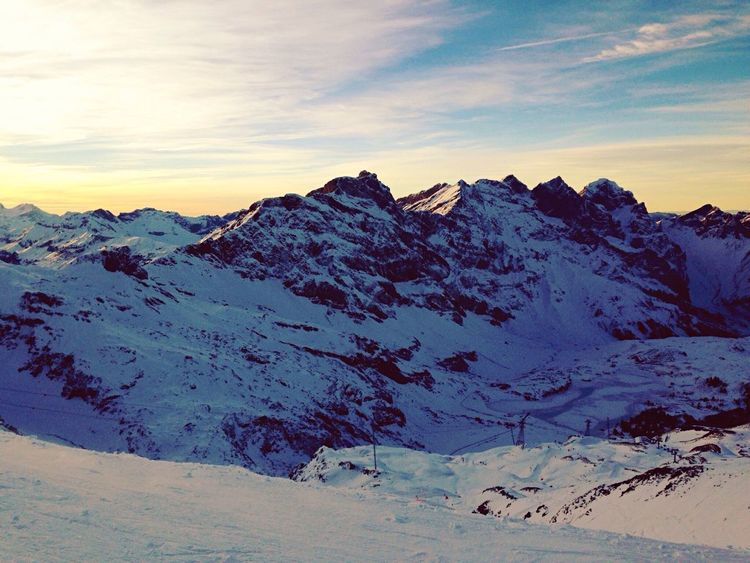 🏂 Snow Mountains Snowboarding Switzerland Alps Mountain Family Christmas Snowboard Sunset Cold Sky Skyporn Sky And Clouds First Eyeem Photo Nature EyeEm Best Shots EyeEm Nature Lover