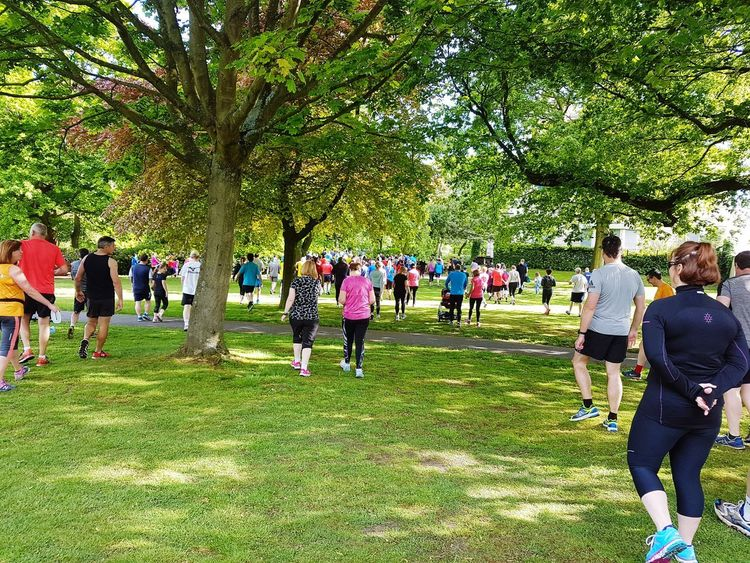 Off To The Start Large Group Of People Grass Real People Togetherness Sport Leisure Activity Outdoors Lifestyles Nature People Competitive Sport Competition Down At The Park People Watching Getting Ready For Parkrun Parkrun Park Run Park Run Uk Seeing The Things I See Walking Pastimes