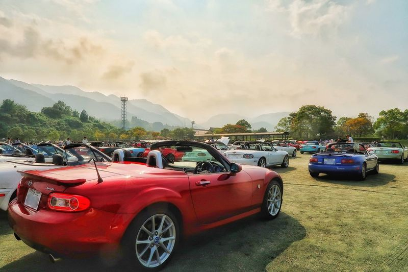 ロードスタージャンボリー2017 マツダ ロードスター イベント オープンカー Mazda MX-5 Mx5 Miata Miata Cars Car Event Cloud - Sky Transportation Mode Of Transport Red Old-fashioned Land Vehicle Sky Outdoors Tree Autumn Cloudy Sky Autumn Colors EyeEm Nature Lover EyeEm Best Shots
