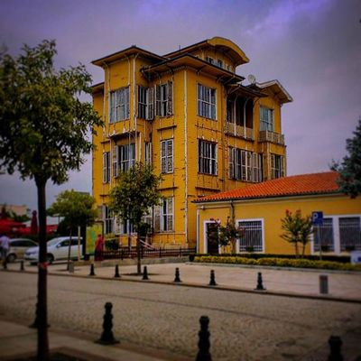 Yellow House Oldarchitecture Oldhouse Decay Turkey Istanbul Jgc